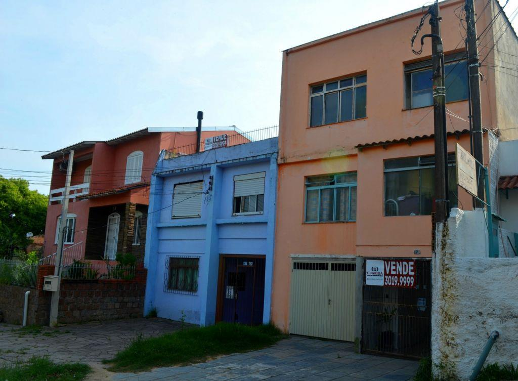 Terreno à venda em Protásio Alves, Porto Alegre - RS