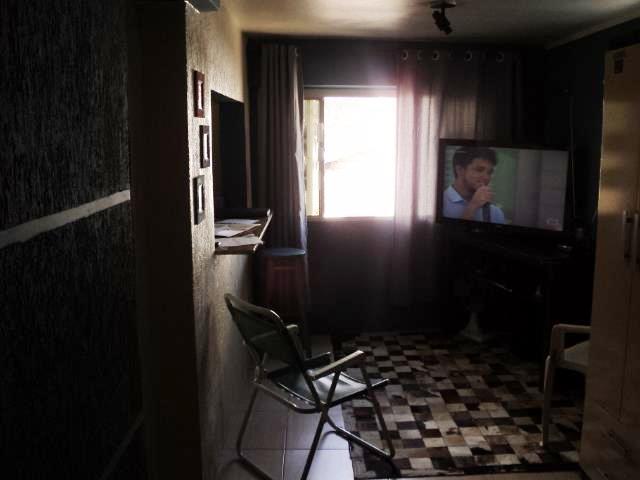 Kitnet de 1 dormitório em Coronel Aparício Borges, Porto Alegre - RS