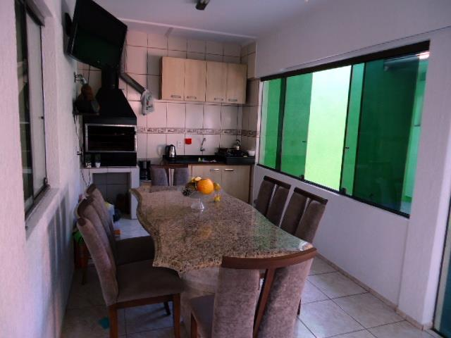 Casa de 3 dormitórios em Passo Da Areia, Porto Alegre - RS