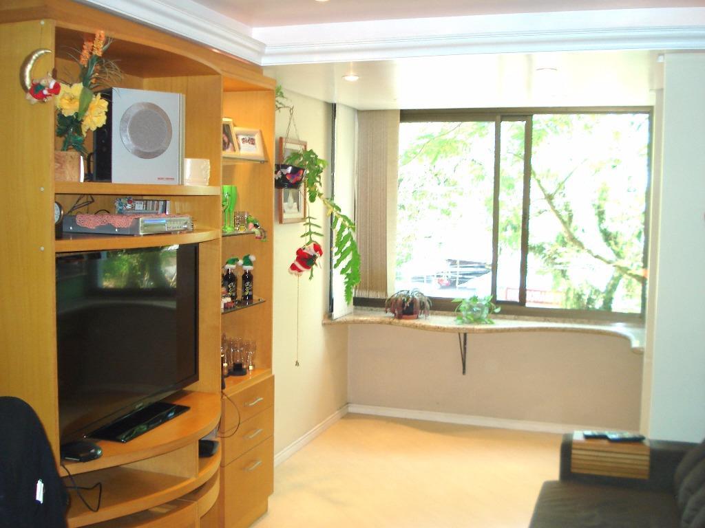 Apartamento de 3 dormitórios em São João, Porto Alegre - RS