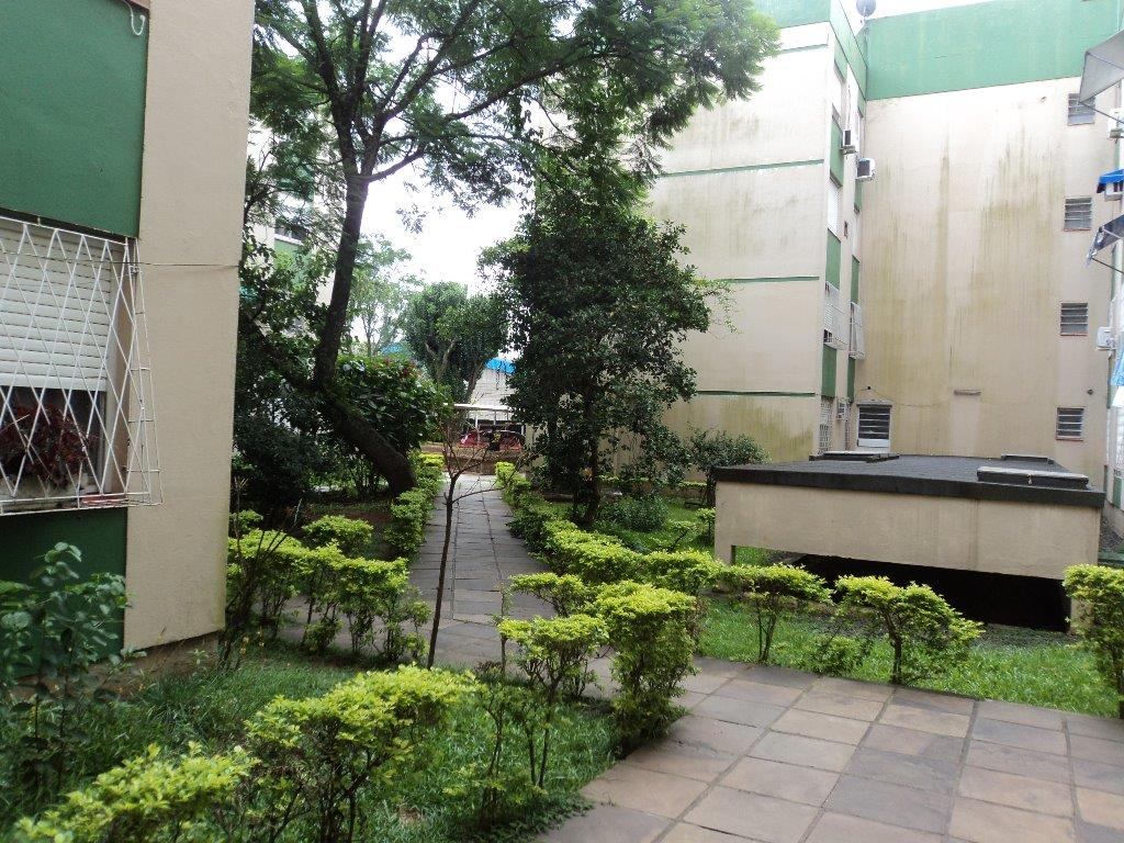 Apartamento de 2 dormitórios em Humaitá, Porto Alegre - RS