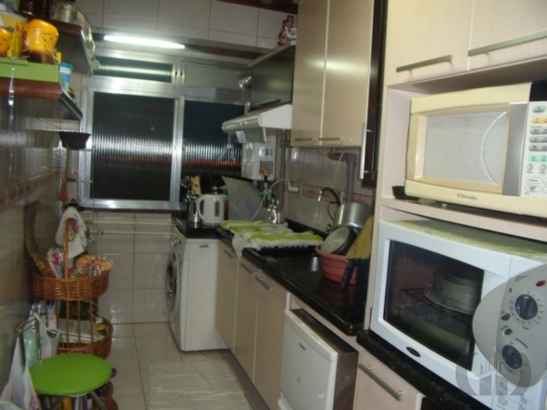 Apartamento de 2 dormitórios à venda em Humaitá, Porto Alegre - RS