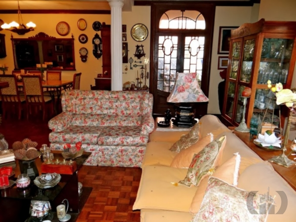 Casa de 6 dormitórios à venda em Vila Assunção, Porto Alegre - RS