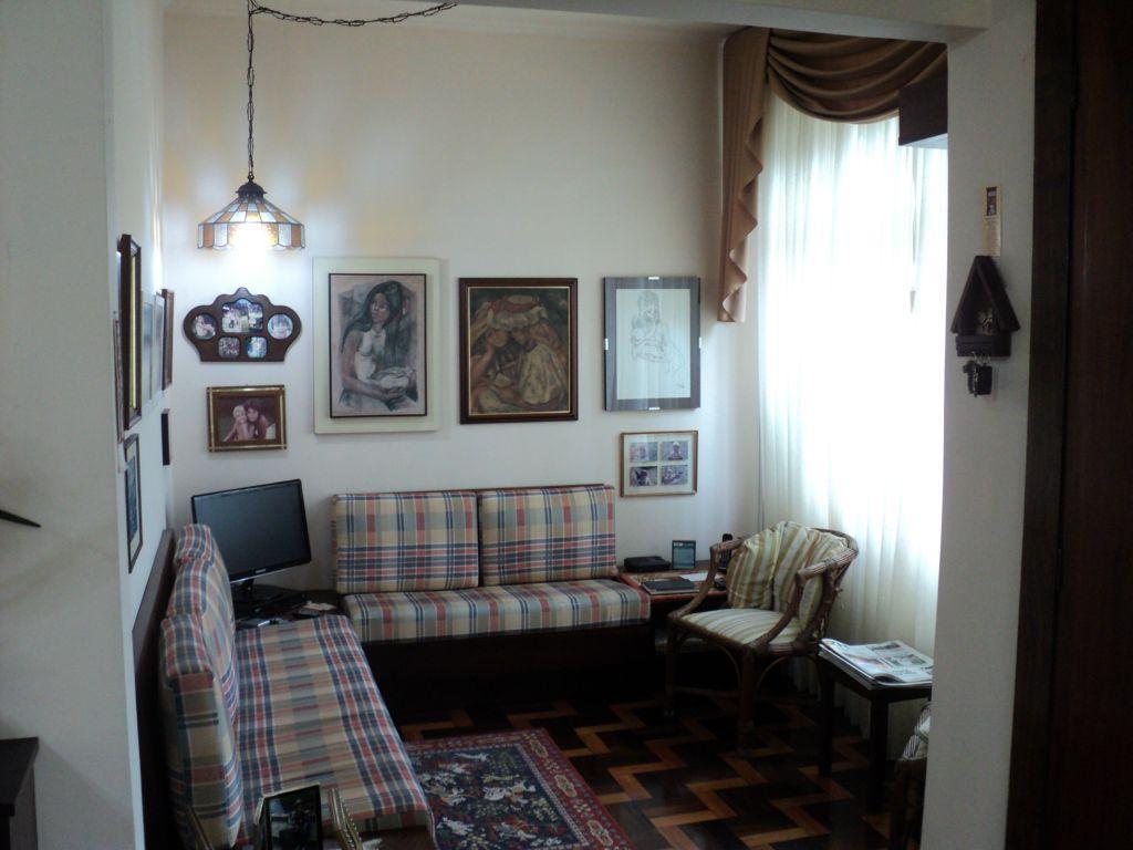 Casa de 6 dormitórios em Petrópolis, Porto Alegre - RS