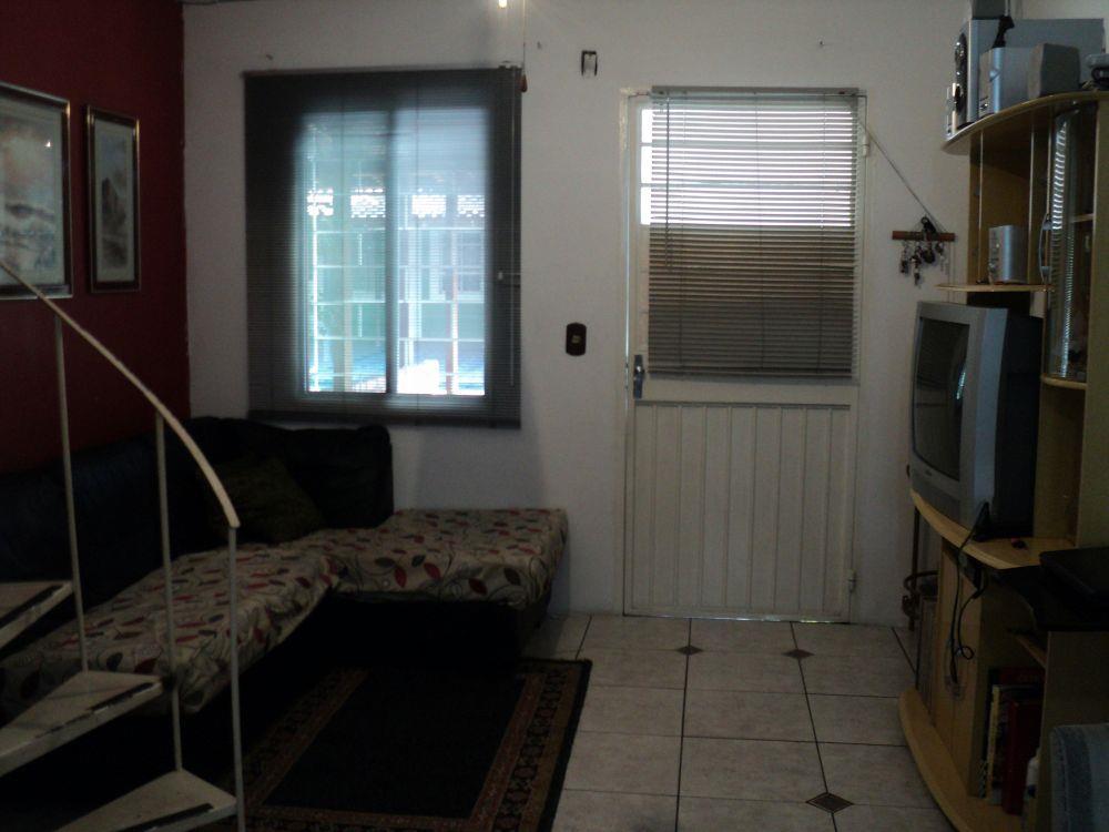 Casa de 2 dormitórios em Cavalhada, Porto Alegre - RS