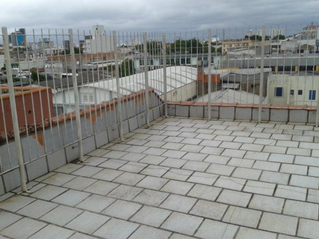 Apartamento de 2 dormitórios à venda em São João, Porto Alegre - RS