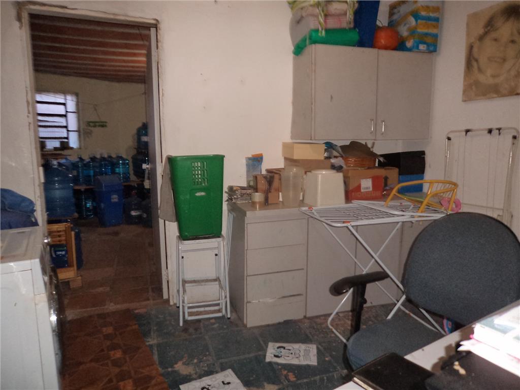 Apartamento de 4 dormitórios em Passo Da Areia, Porto Alegre - RS