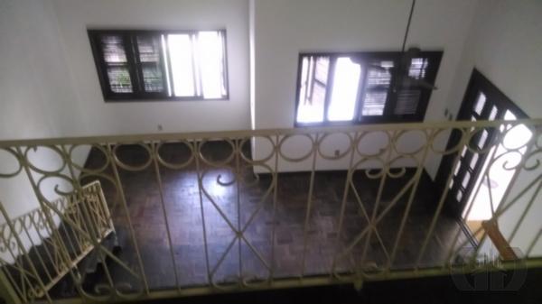 Sobrado de 3 dormitórios em Passo Da Areia, Porto Alegre - RS