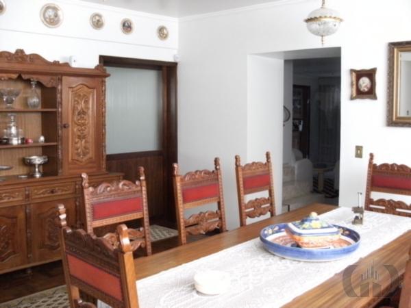 Casa de 4 dormitórios à venda em Jardim São Pedro, Porto Alegre - RS