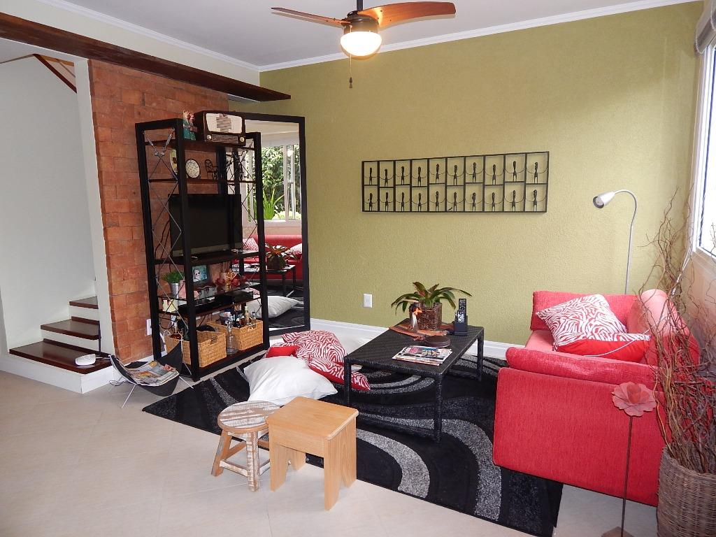 Casa de 2 dormitórios à venda em Cristal, Porto Alegre - RS
