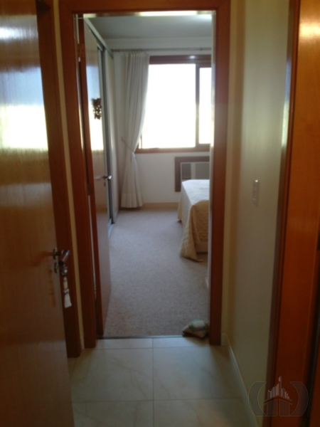 Apartamento de 2 dormitórios à venda em Cristo Redentor, Porto Alegre - RS
