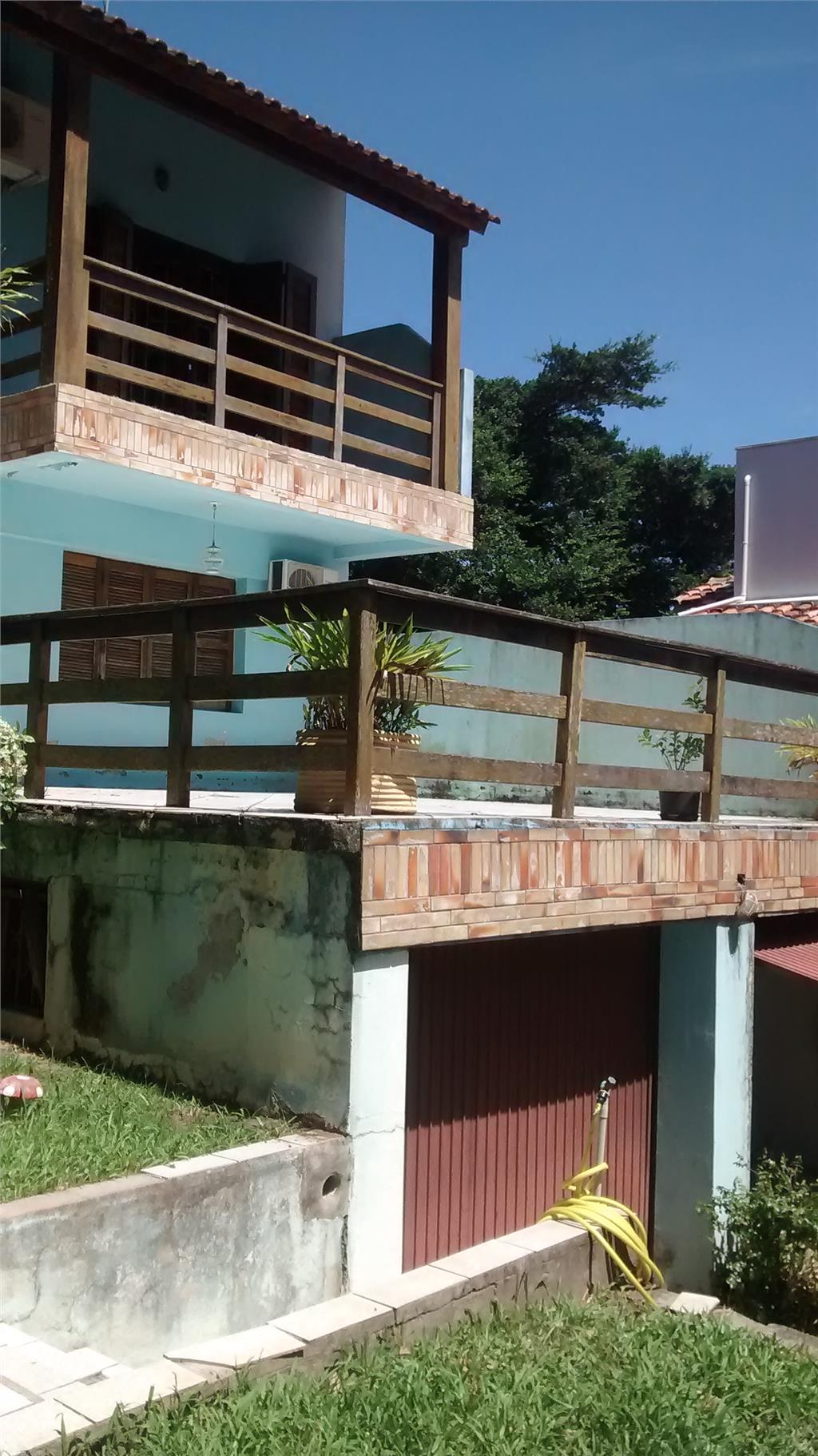 Casa de 4 dormitórios em Santa Tereza, Porto Alegre - RS