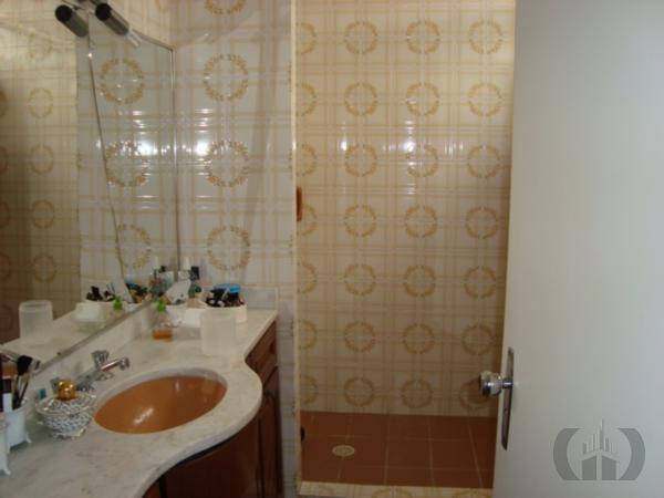Casa de 3 dormitórios à venda em Rio Branco, Porto Alegre - RS