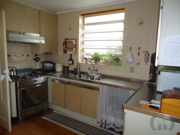Casa de 3 dormitórios em Medianeira, Porto Alegre - RS