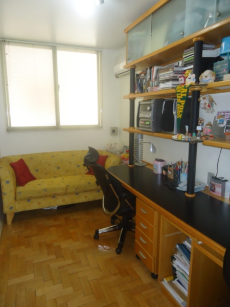 Apartamento de 4 dormitórios em Centro, Porto Alegre - RS
