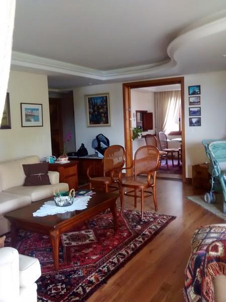 Apartamento de 4 dormitórios à venda em Higienópolis, Porto Alegre - RS