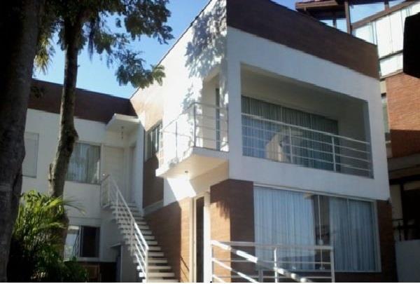 Casa de 6 dormitórios em Vila Assunção, Porto Alegre - RS