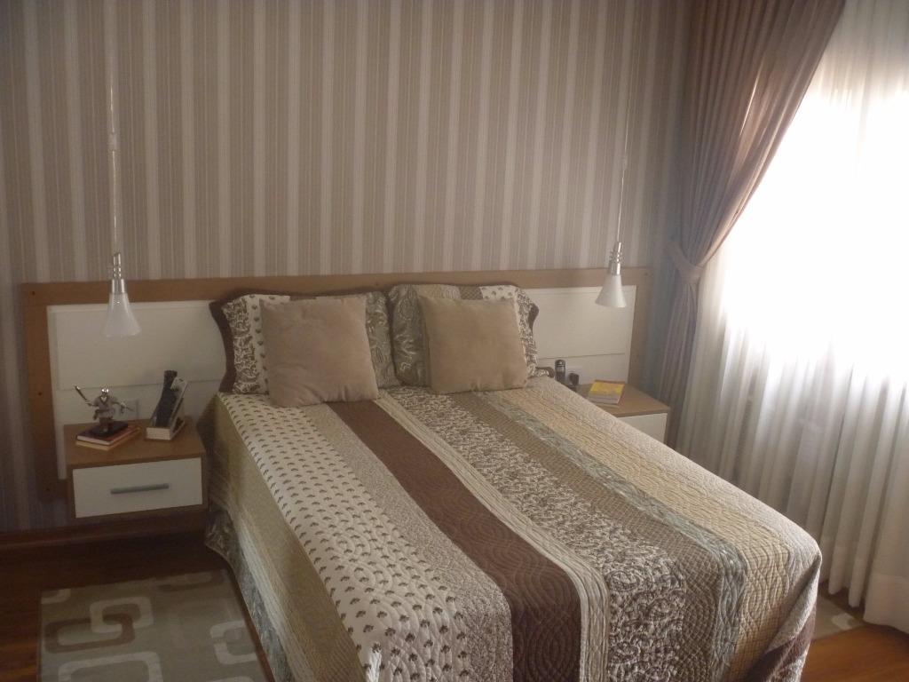 Casa de 3 dormitórios à venda em Medianeira, Porto Alegre - RS