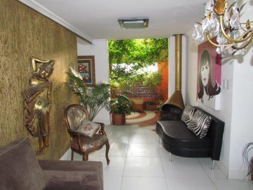 Casa de 2 dormitórios em Cristal, Porto Alegre - RS