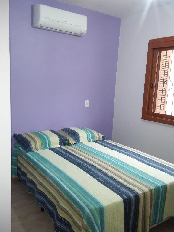 Casa de 2 dormitórios em Hípica, Porto Alegre - RS