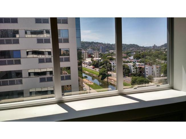 Sala em Jardim Botânico, Porto Alegre - RS