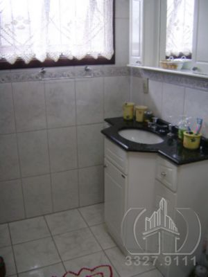 Casa de 3 dormitórios à venda em Bom Jesus, Porto Alegre - RS
