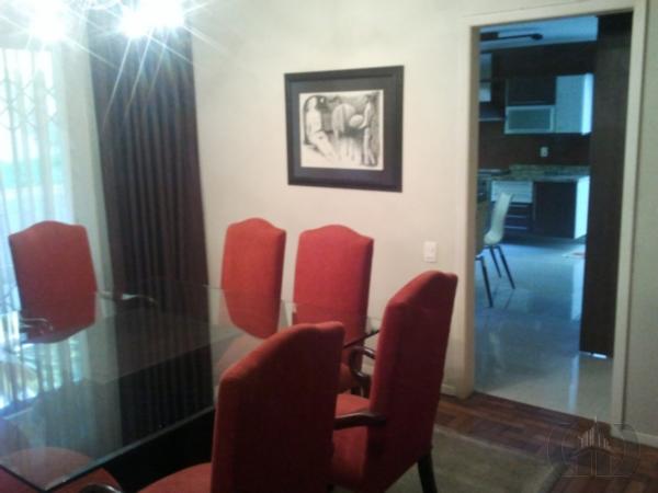 Casa de 3 dormitórios em Chácara Das Pedras, Porto Alegre - RS