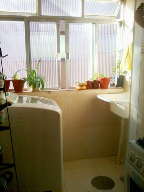Apartamento de 2 dormitórios em Camaquã, Porto Alegre - RS