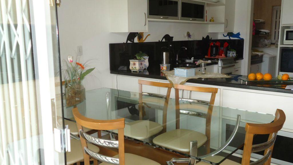 Casa de 4 dormitórios em Passo Das Pedras, Porto Alegre - RS