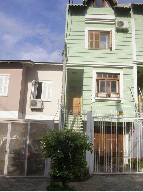 Sobrado de 3 dormitórios à venda em São Sebastião, Porto Alegre - RS