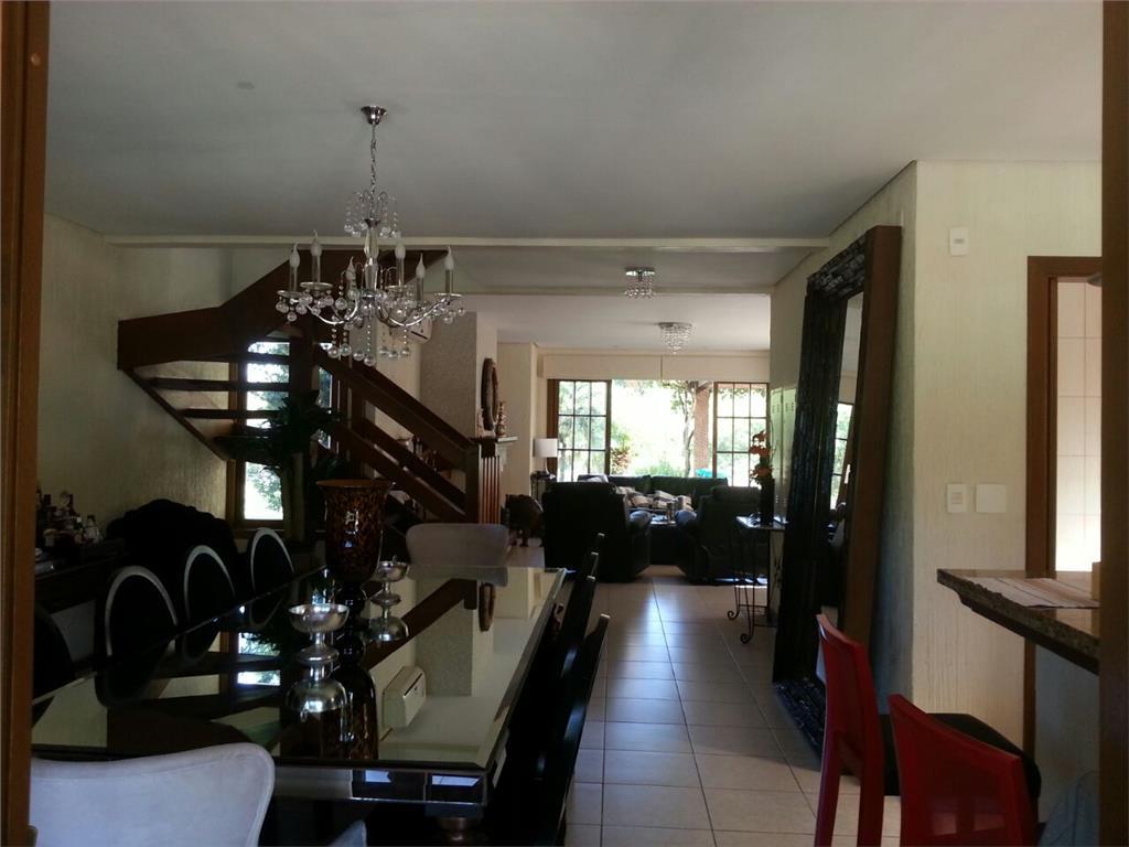 Sobrado de 3 dormitórios em Belém Novo, Porto Alegre - RS