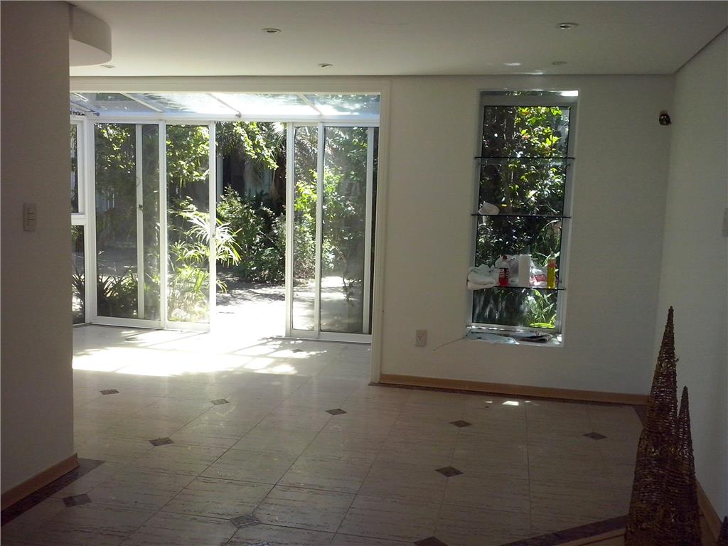 Casa de 2 dormitórios à venda em Três Figueiras, Porto Alegre - RS