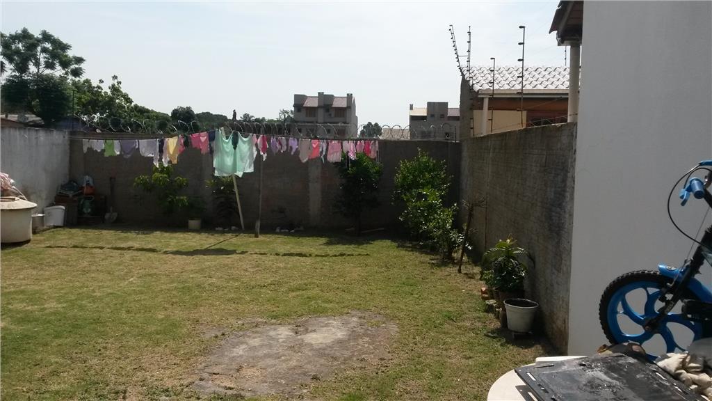 Sobrado de 3 dormitórios em Guarujá, Porto Alegre - RS