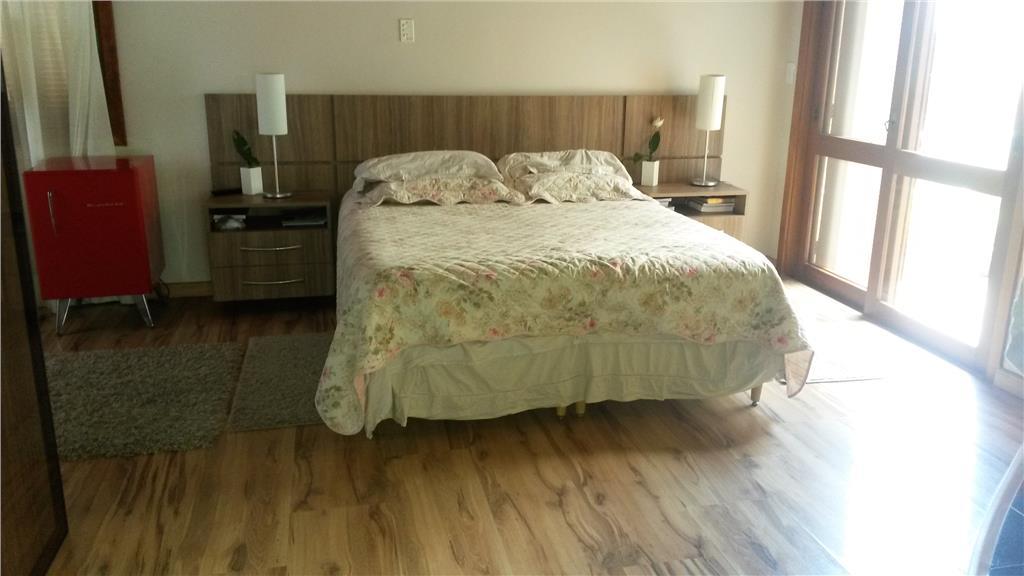 Casa de 4 dormitórios à venda em Hípica, Porto Alegre - RS