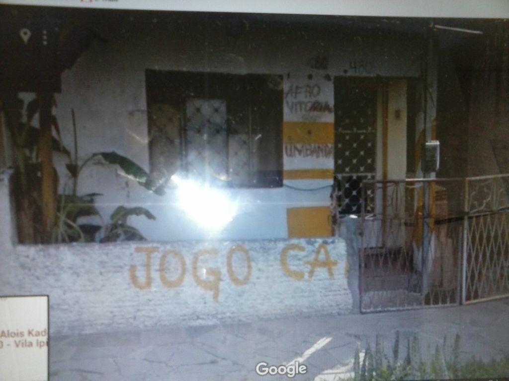 Casa de 2 dormitórios em Vila Ipiranga, Porto Alegre - RS