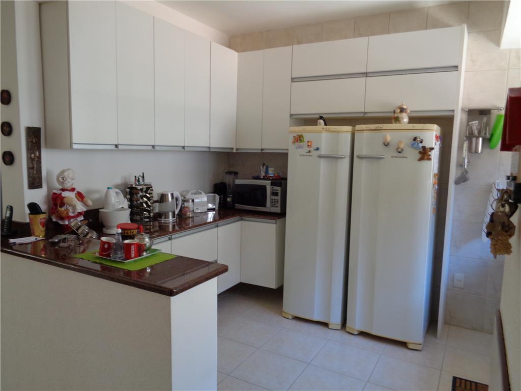 Casa de 5 dormitórios em Teresópolis, Porto Alegre - RS