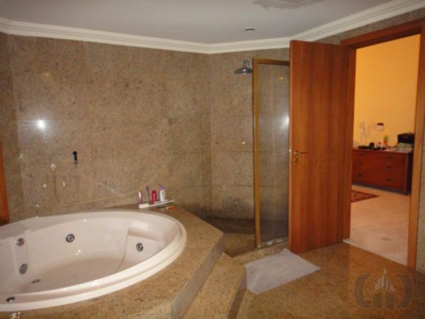 Casa de 5 dormitórios em Tristeza, Porto Alegre - RS