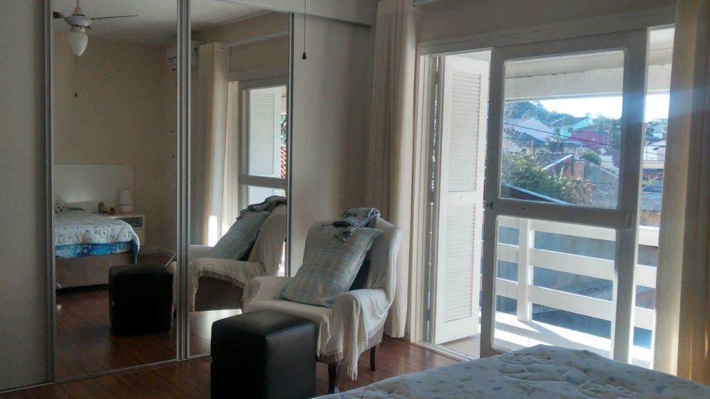 Casa de 3 dormitórios à venda em Hípica, Porto Alegre - RS