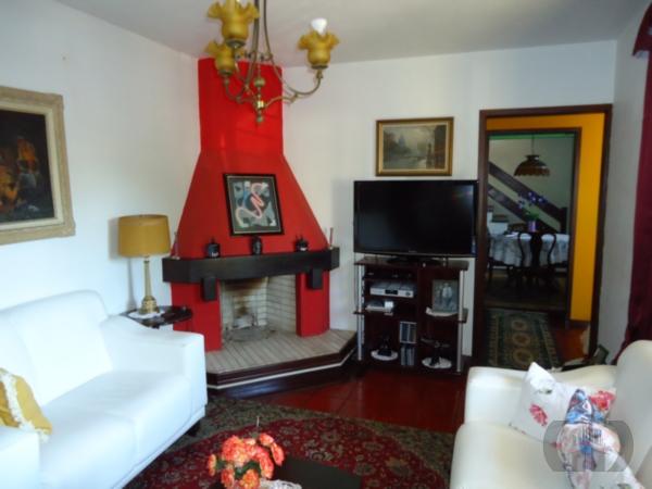 Casa de 4 dormitórios em Três Figueiras, Porto Alegre - RS