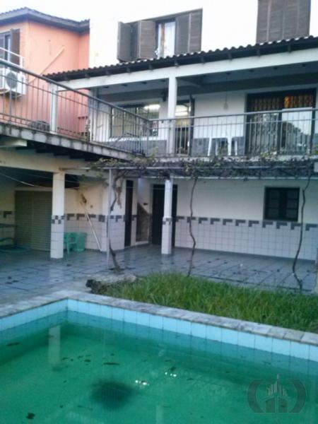 Casa de 4 dormitórios em Medianeira, Porto Alegre - RS