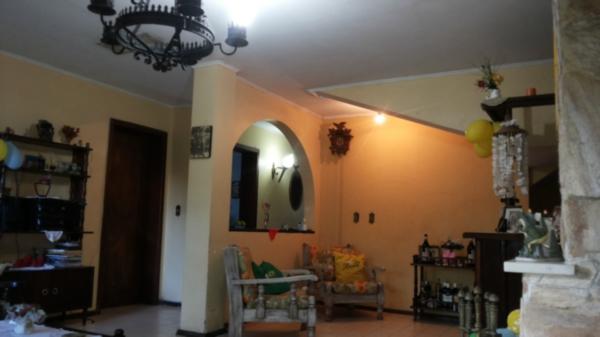 Casa de 4 dormitórios em Camaquã, Porto Alegre - RS