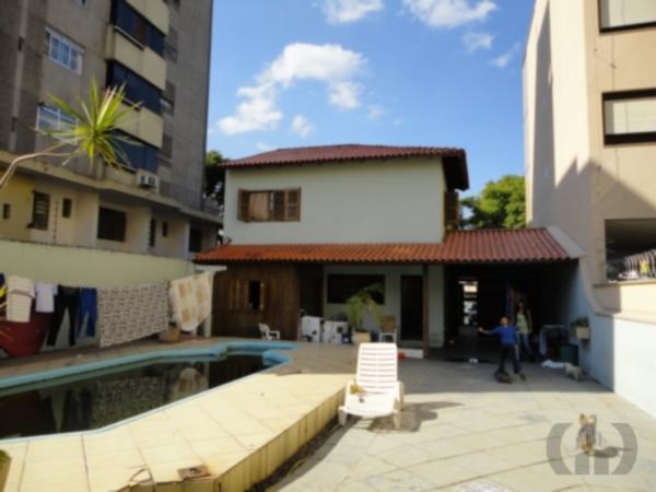 Casa de 3 dormitórios em São José, Porto Alegre - RS
