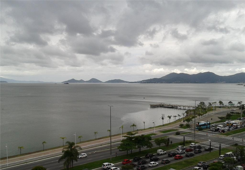 Apartamento residencial à venda, Centro, Florianópolis - AP0313.