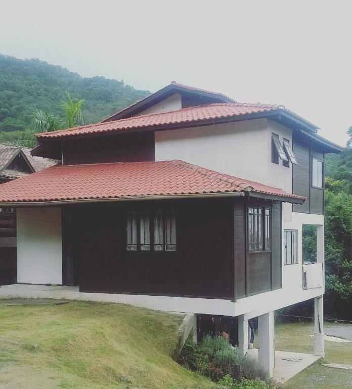 Casa residencial à venda, Praia do Estaleirinho, Balneário C