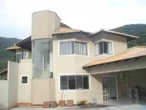 Sobrado residencial à venda, Ressacada, Itajaí. de AMDG Imóveis.'