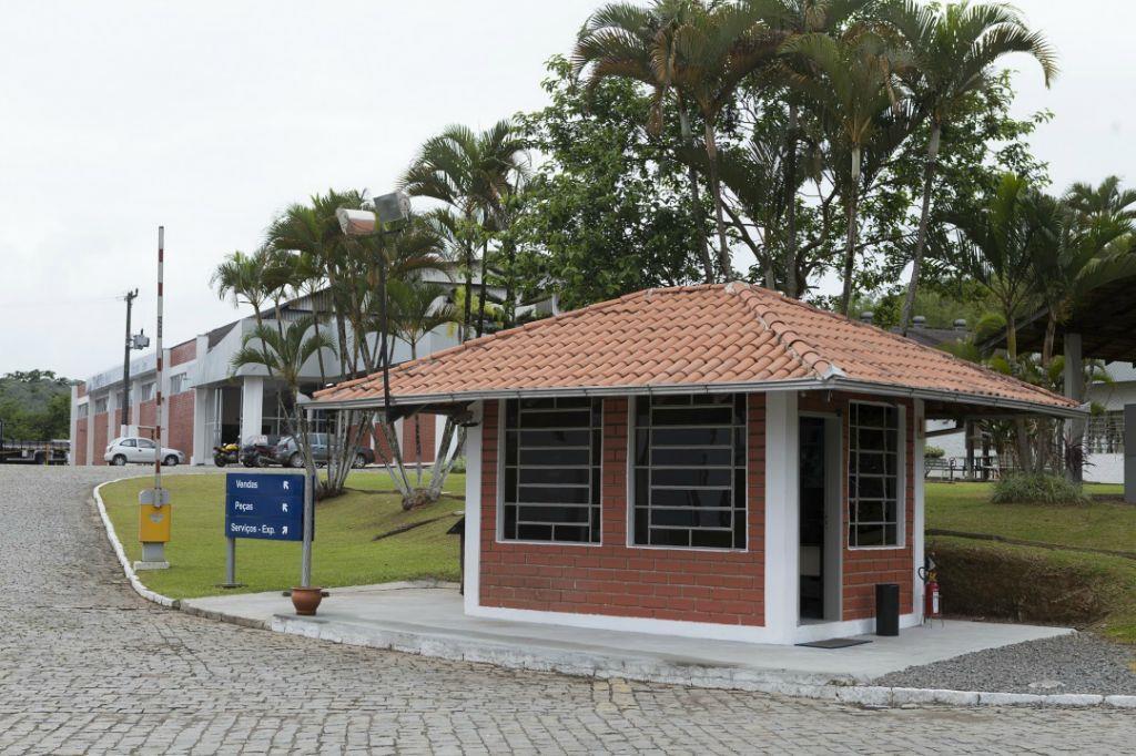 Área residencial à venda, São Marcos, Joinville - AR0024.