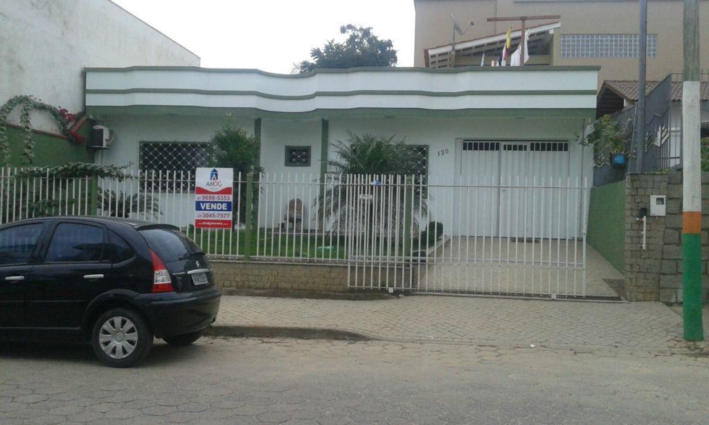 Casa  residencial à venda, Monte Alegre, Camboriú.
