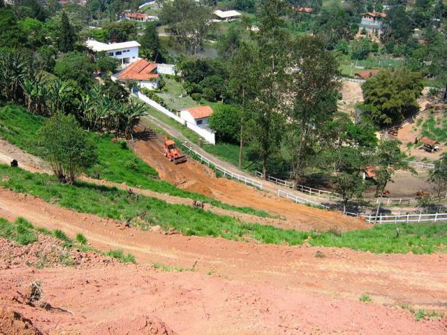 Terreno à Venda - Condomínio Lagoinha