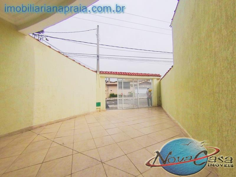 Casa 3 Dormitórios sendo 2 suítes, Vila Caiçara, Praia Grande.