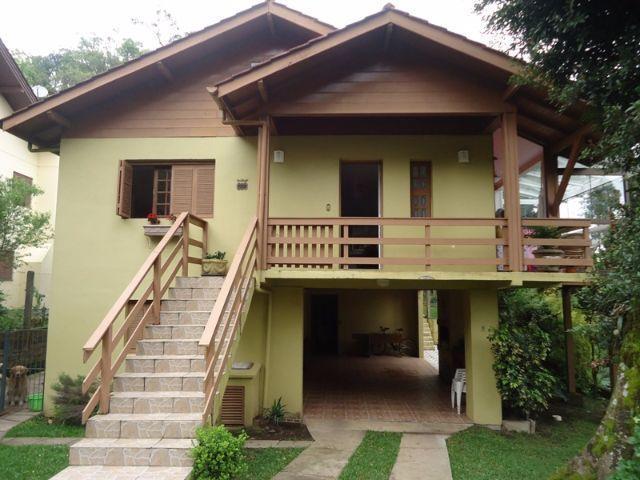 Casa de 4 dormitórios em Ipê Amarelo, Gramado - RS